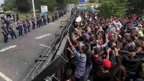Migranti, l'Europa spaccata in due sull'accoglienza