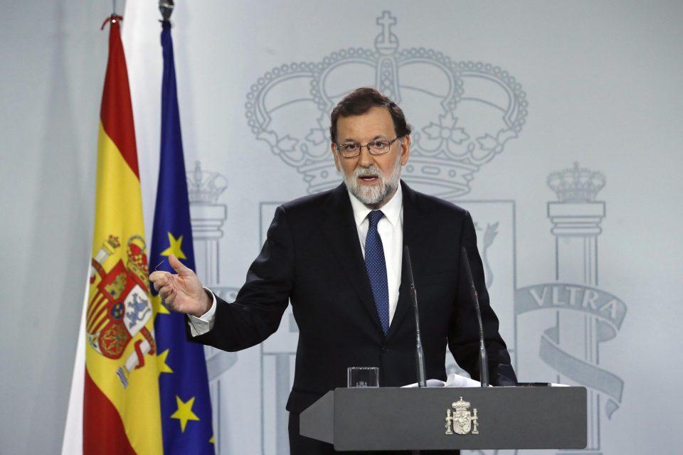 Rajoy commissaria la Catalogna: «Si applichi l'articolo 155, Barcellona si è messa fuori legge»