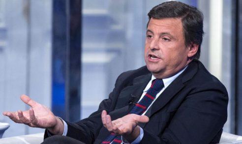 Calenda: «Conte è paternalista e retorico. Serve un altro premier, magari Draghi…»