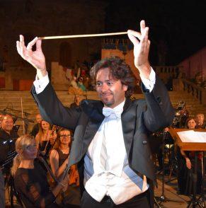 «La musica classica deve essere reinventata non certo conservata»