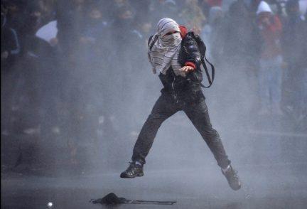 Rivolte di piazza e povertà, il Sudamerica va in fiamme