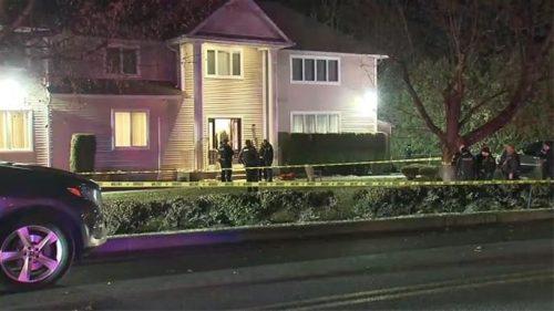 New York, attacco con machete in casa di un rabbino: cinque feriti di cui due gravi. Arrestato il responsabile
