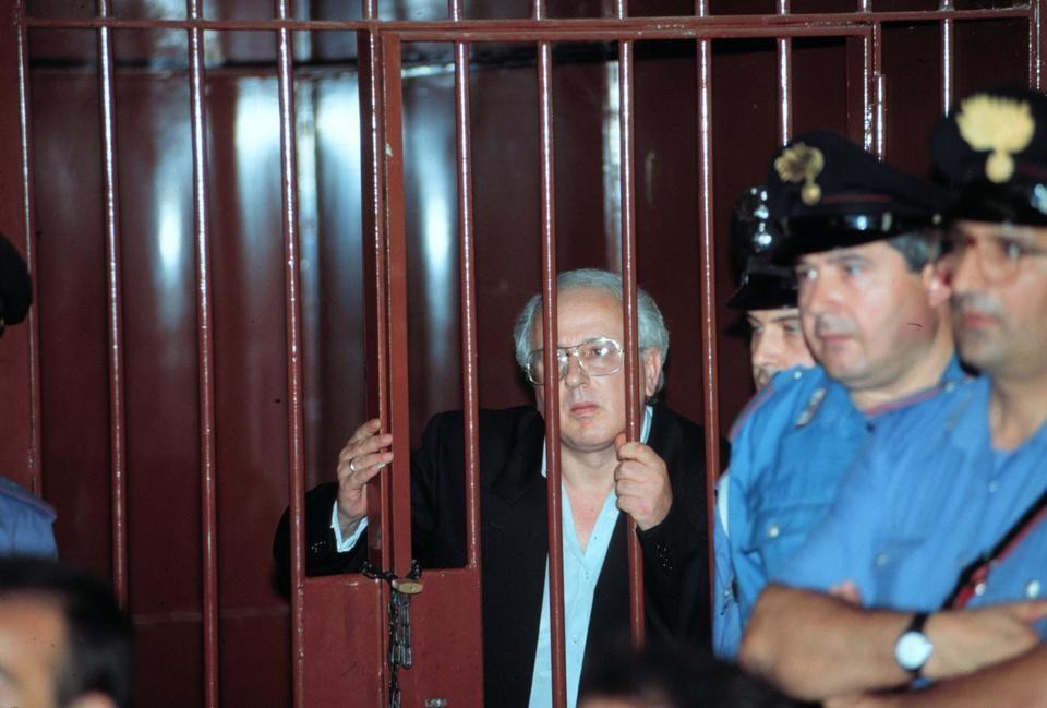L'avvocato di Cutolo: «Il giudice ha avuto la relazione della Ausl?»