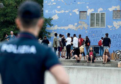 Loretta Malan: «Altro che sicurezza, con i decreti gli immigrati finiscono in strada»