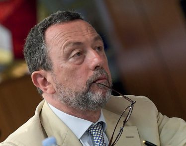 Caiazza, leader dei penalisti: «Attenti, così al Csm rischiamo di avere solo pubblici ministeri»