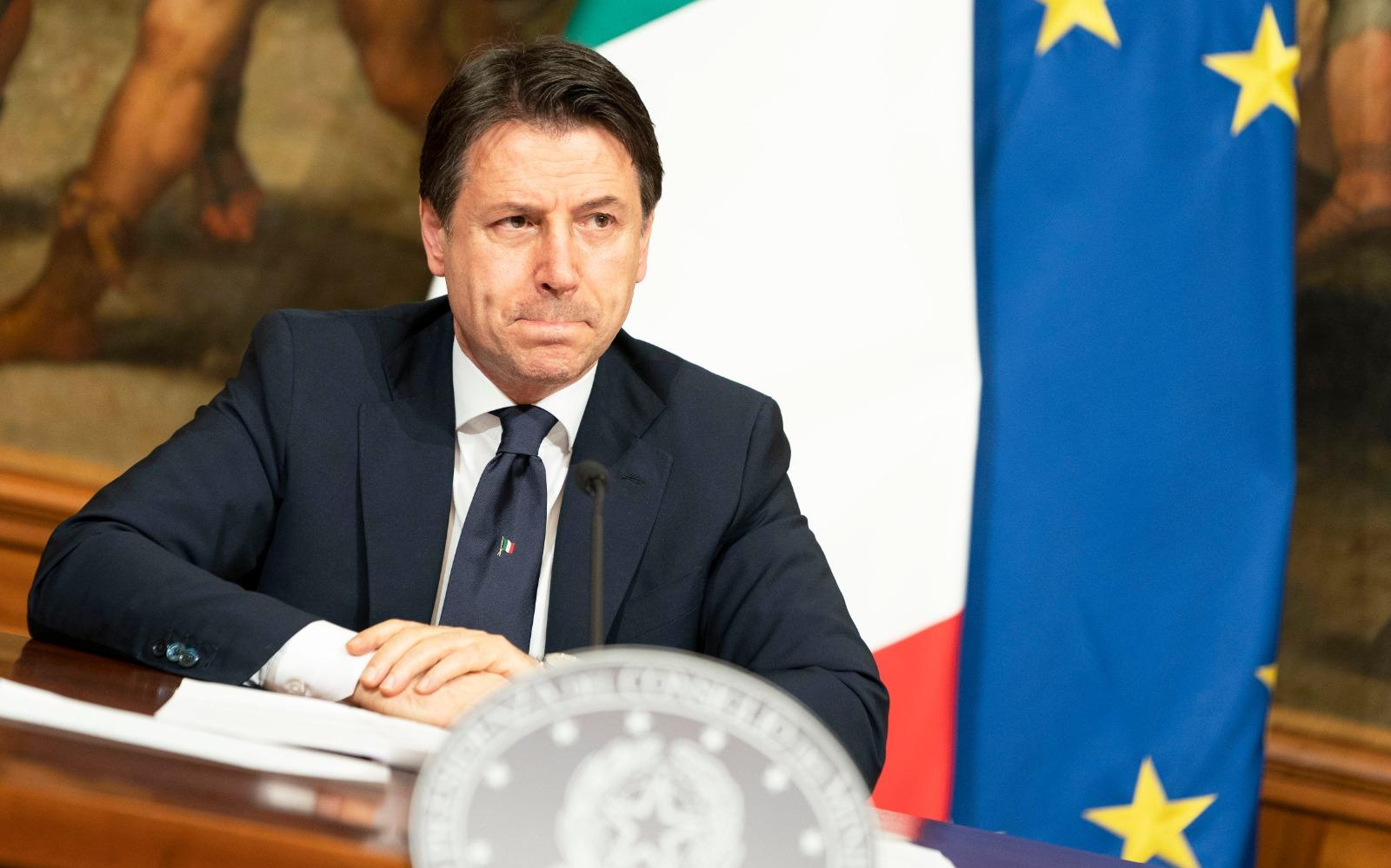 Il presidente Giuseppe Conte nella conferenza stampa di stasera