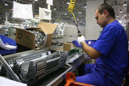 Mezzo milione di occupati in meno nel secondo trimestre. Le più penalizzate sono  donne giovani e precarie