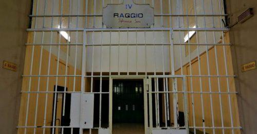 I detenuti al 41 bis possono scriversi