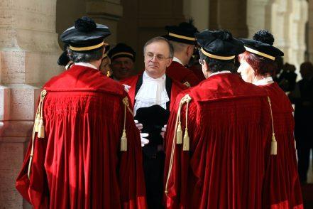 Concorsi truccati per diventare magistrati: il Csm resta muto?