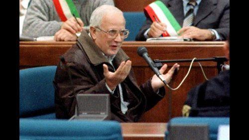 """Non importa se è vecchio, malato e senza """"potere"""": Raffaele Cutolo resta in carcere"""