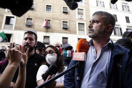 Casapound, arrivano gli Ultras: sequestro rinviato