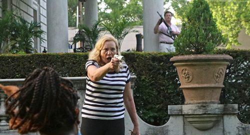Mi chiamo Karen: sono ricca, bianca e detesto i neri…