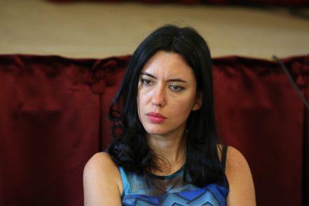 Azzolina all'attacco: «I sindacati sabotano, basta rendite di potere»