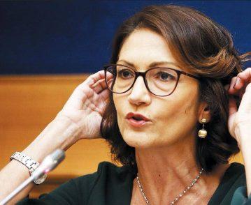 Gelmini: «I complimenti tardivi dell'ex premier non servono: non lo voteremo al Colle»