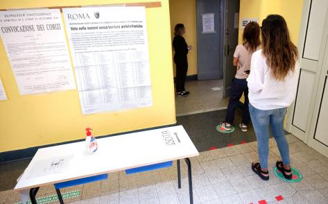 Referendum, alle 19 ha votato quasi il 30 cento degli elettori